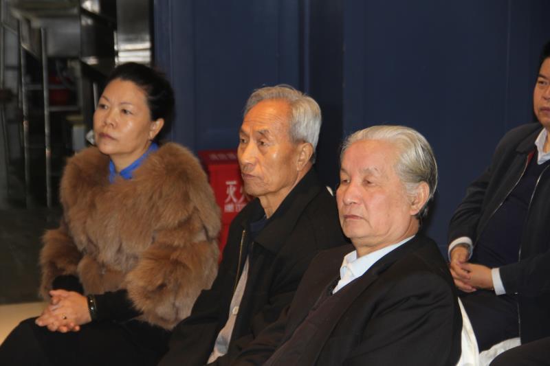 """""""喜迎十九大"""" 陕西省东方红书画研究院书画展在西安市高陵区开展"""