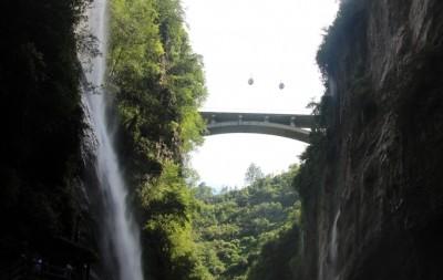 恩施大峡谷:百座独峰矗立,十里深壑幽长