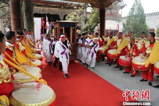 展示蒲县民俗文化魅力的一道亮丽风景。 任丽娜 摄