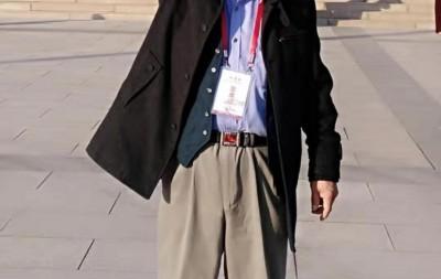 章小华——中宣盛世国际书画院会员、著名书画家