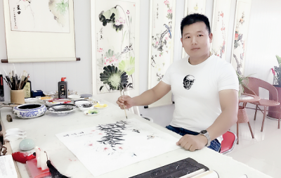 「我和我的祖国」纪念建国七十周年--新时代(经典)艺术家之二十九--谭桂勇