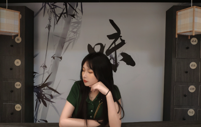 钟紫涵——中宣盛世国际书画院会员、著名书画家